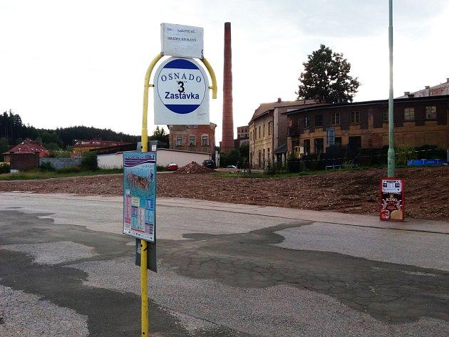 Dlouho očekávaná výstavba autobusového nádraží v Hostinném začne v pátek.