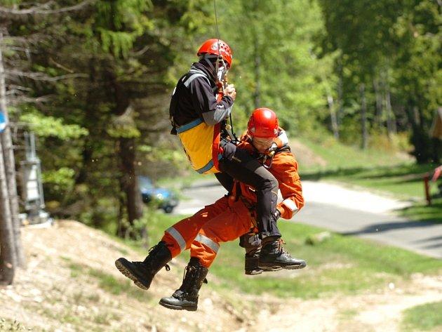 Cvičení hasičů v Janských Lázních