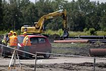 Práce na projektu firma obnoví až po získání dodatečného stavebního povolení.