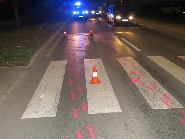 Srážka chodce na přechodu v Horské ulici Trutnov.