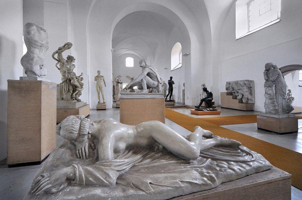 Galerie antického umění v Hostinném.