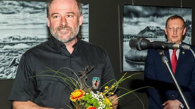 Martin Messner je horským záchranářem stejně jako otec Jan.