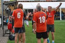 Dědci z Náchoda ve finále hned dvakrát slavili vstřelený gól.