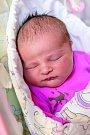 AMÁLIE REŽNÁ se narodila 15. května v 10.46 hodin rodičům Janě a Petrovi. Měřila 49 cm a vážila 3,75 kg. Doma v Železnici na ni čekala sestřička Viktorie.