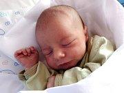 MARTIN JANKO se Elišce Jankové narodil 19. ledna ve 20.52 hodin. Vážil 3,4 kilogramu a měřil 52 centimetrů. Malý Martínek najde domov v podkrkonošské Úpici.