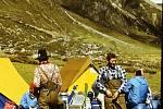 Do Himálaje vyrazili kamionem, za odměnu jezdili na slonech