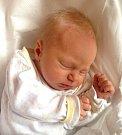 LENKA STEJSKALOVÁ  se narodila Iloně a Jakubovi 11. dubna v 8.24 hodin. Vážila 2,92 kg a měřila 51 cm. Doma v Mladých Bukách na sourozence čeká také bráška Vojta.