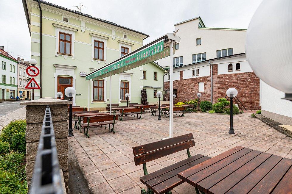 Restaurace hotelu Krakonoš v centru Trutnova.