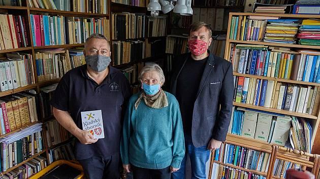 Muzeum Podkrkonoší v Trutnově získalo tisíce knih po zesnulém profesorovi Vladimíru Wolfovi.