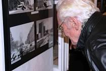 Trutnovské muzeum žilo výstavou i přehlídkou kožichů v podání basketbalistek