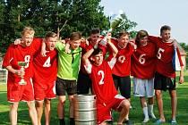 OBHÁJCEM TROFEJE budou při šestém ročníku Memoriálu Páji Grigela mladí fotbalisté z týmu FC Juniors.