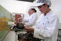 Učni už mají kuchyň na praxi
