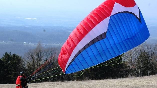 Ilustrační foto - paragliding