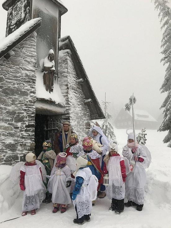 Horská slavnost Tříkrálová u Erlebachovy boudy nad Špindlerovým Mlýnem.