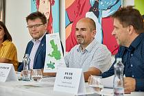 Místní akční skupina Království - Jestřebí hory představila projekt Místní akční plán Trutnovsko II. Zahrnuje i čtení audioknih v podání školáků.