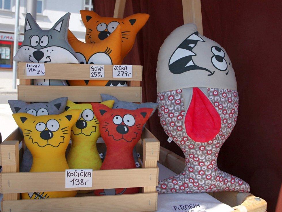 Flerjarmark ve Vrchlabí nabízel rukodělné i umělecké výrobky.