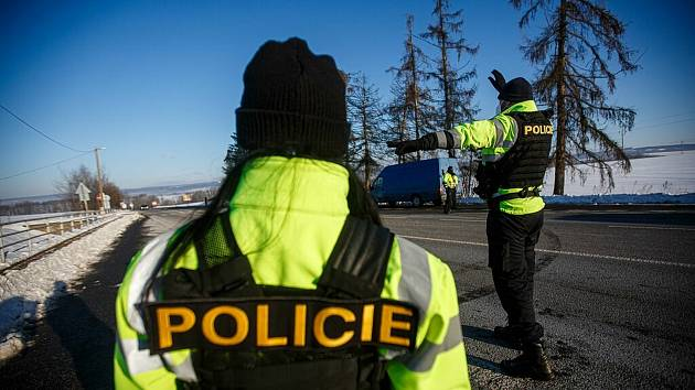 Policejní kontroly na hranicích okresu Trutnov.