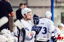 V KONTAKTU S KAMARÁDY z trutnovského druholigového mužstva bude Pavel Fedulov nadále. Jen už jim nebude radit coby kapitán. Namísto toho se stal asistentem trenéra Petra Váchy.