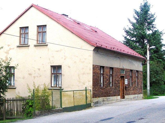 Česká škola v Libotově slaví devadesát let