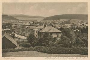 Trutnovská nemocnice kolem roku 1930.