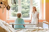 Jana Michlová pracuje jako lékařka na nefrologickém oddělení Masarykovy městské nemocnice, a.s. v Jilemnici. Je členkou konziliárního paliativního týmu jilemnické nemocnice a zároveň spolupracuje jako lékařka v pobočce Domácího hospice Duha ve Vrchlabí.
