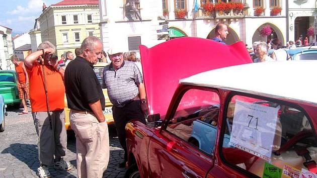 Trabishow na trutnovském Krakonošově náměstí