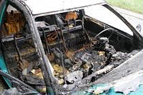 Požár osobního vozidla Nissan