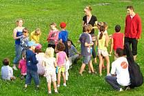 VÝUKA ANGLIČTINY s rodilým mluvčím se stala vítaným zpestřením prázdninových dnů pro 222 dětí, které se účastnily tábora Wattsenglish v Dolním Dvoře.
