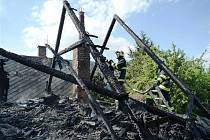 Požár roubenky v Lomnici