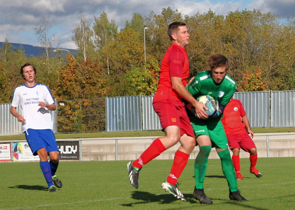 Vrchlabští fotbalisté na domácím hřišti porazili Miletín 1:0. Bitvu rozhodl gól Lubora Mejsnara.
