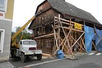 PO DOKONČENÍ REKONSTRUKCE by měla Dřevěnka sloužit veřejnosti. Návštěvníci tu najdou muzejní expozice, prodej suvenýrů i prostor pro ukázky historických řemesel.
