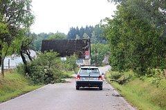 Po větrné smršti v Libňatově