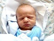 MARTIN PĚKNÝse narodil 5. listopadu v 8.47 hodin rodičům Pavlíně a Martinovi. Vážil 3,43 kg a měřil 49 cm. Spolu s bráškou Honzou bydlí v Klášterské Lhotě.