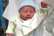 MAREČEK PONIKELSKÝ se narodil 6. února v 18.19 hodin rodičům Romaně a Radkovi. Vážil 2,98 kg a měřil 48 cm. Spolu s bráskou Radečkem bydlí ve Dvoře Králové.