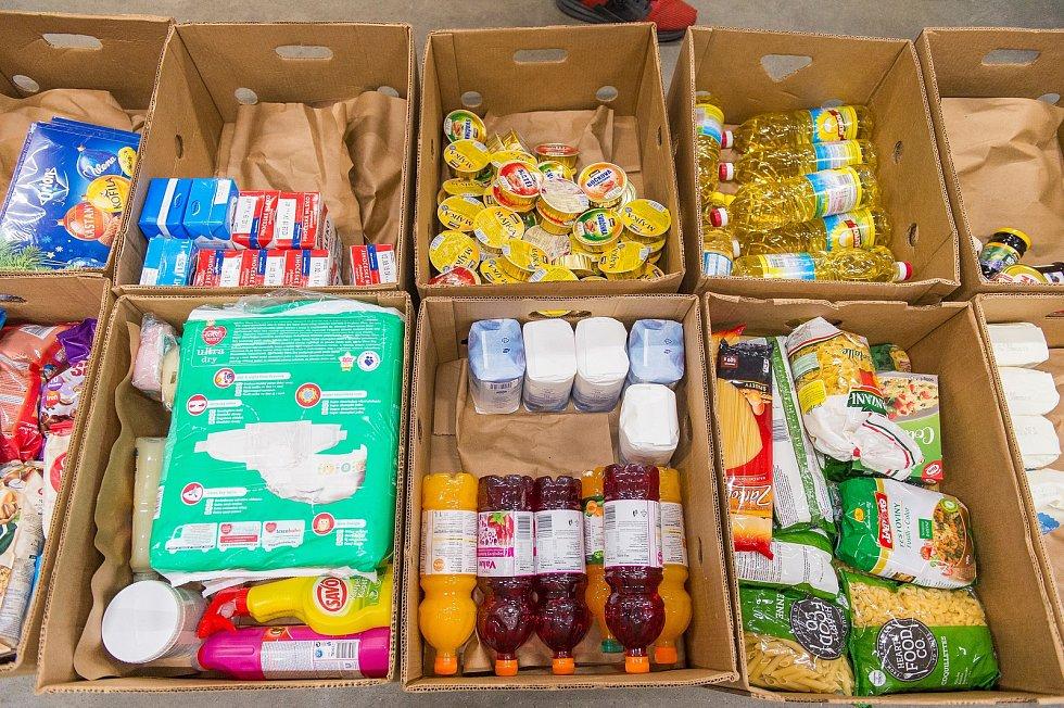 Při letošní Národní potravinové sbírce v Trutnově lidé darovali 1949 kilogramů potravin a drogeri