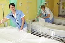 Trutnovská interna se dočkala rozšíření zdravotního personálu. Uzavření lůžkového oddělení využila nemocnice k vybudování nové sesterny.