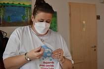 Očkování obyvatel na Trutnovsku má probíhat pouze v nemocnicích a u praktických lékařů.