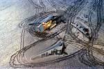 Hořící ruské letadlo Tupolev 154 nouzově přistálo v poli u Dubence 17. listopadu 1990. Zbyly z něj trosky.