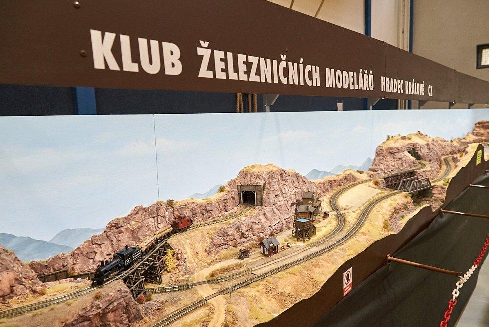 Z modelářské výstavy na Středisku volného času v Trutnově.