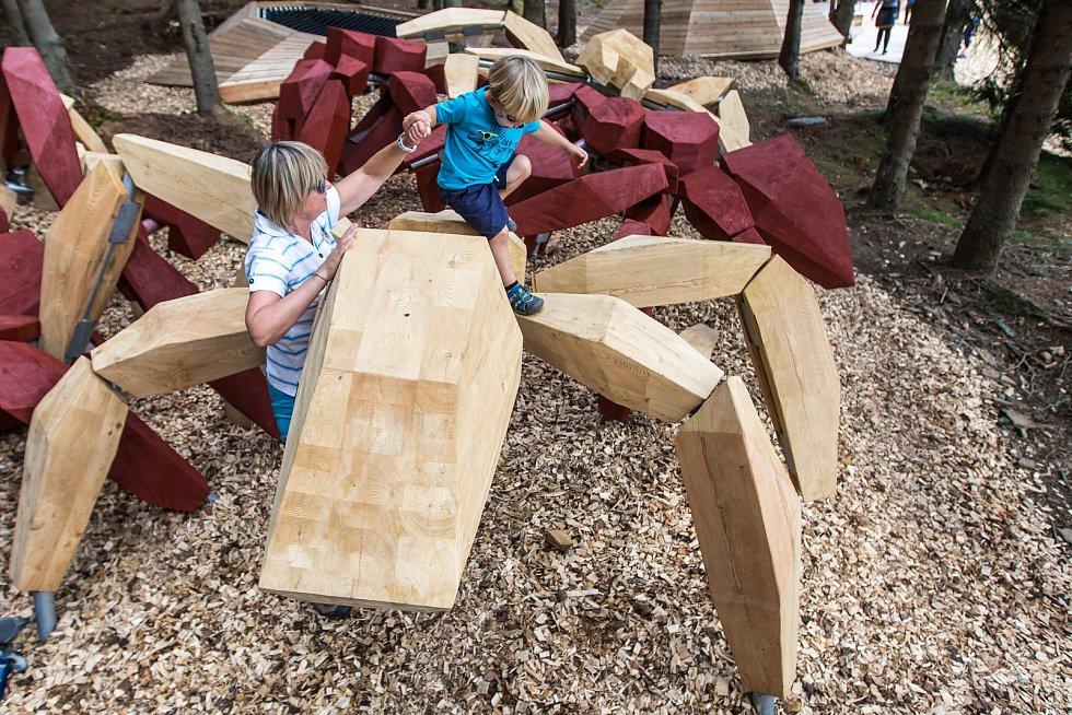 V sobotu slavnostně otevřeli ve Velké Úpě Herní krajinu Pecka, výjimečný projekt plný nápaditých prvků.