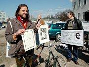 v minulosti proběhla demonstrace k dvacátému výročí smrti Pavla Wonky