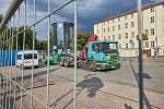 Kvůlirekonstrukci pěší zóny v Horské ulici v Trutnově je od pondělí až do května příštího roku uzavřené malé parkoviště vedle autobusového nádraží.