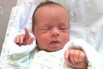 ALEXANDR KOSTOVSKÝ se narodil 3. dubna v 10 hodin rodičům Valerii a Romanovi. Vážil 2,12 kg a měřil 44 cm. Spolu se sestřičkou Sofinkou mají domov v Batňovicích.