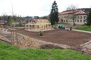 Budování návsi v Markoušovicích