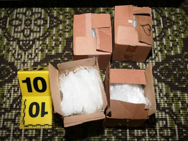 Policisté chytili v Žacléři dealery pervitinu přímo při činu