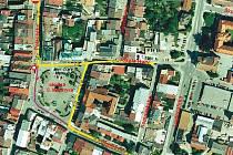 JAK SE BUDE JEZDIT V CENTRU města Dvora Králové ukazuje mapka. Na dva týdny bude radnice testovat, jak by vypadala doprava po plánované rekonstrukci Masarykova náměstí.