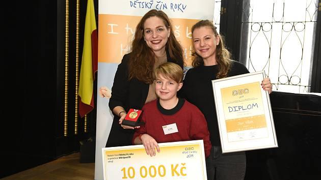 Jan Vlček dostal ocenění za Dětský čin.