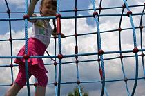 LANOVÝ TUNEL patří ve Šťastné zemi k oblíbeným novinkám letošní letní sezony v Radvánovicích.