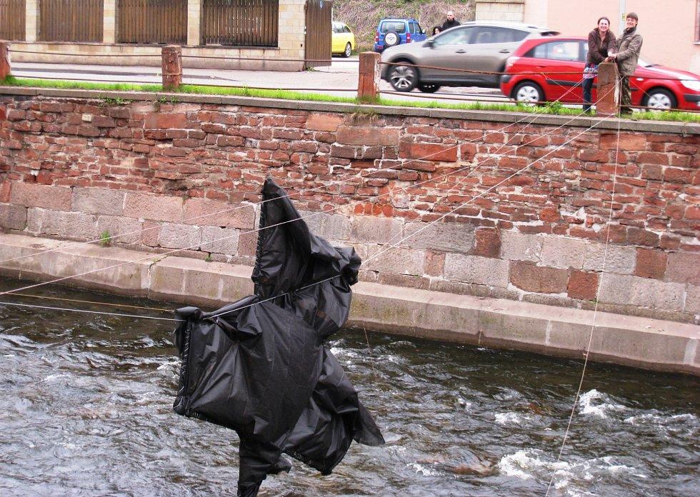 Dračí slavnosti velebí řeku. Zazní v ní Smetanova Vltava