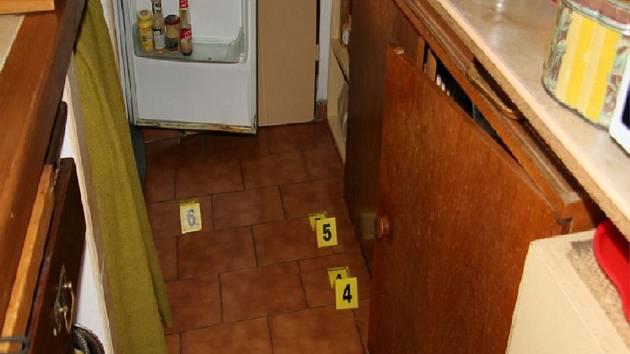Sedmapadesátiletý muž, který byl již v minulosti odsouzen, kradl v rekreačních objektech potraviny a alkohol.